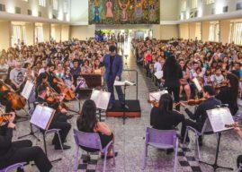 Camerata do Sesi lota Igreja Matriz, em Linhares/ES, para apresentação do Concerto de Natal